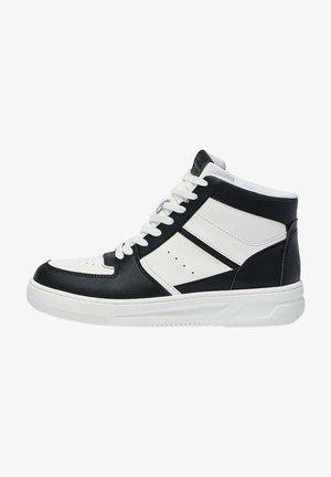 MIT EINSÄTZEN - Sneakers hoog - white