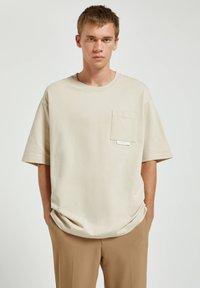 PULL&BEAR - Basic T-shirt - off-white - 0