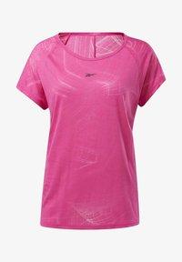 Reebok - BURNOUT T-SHIRT - T-shirts med print - pink - 6