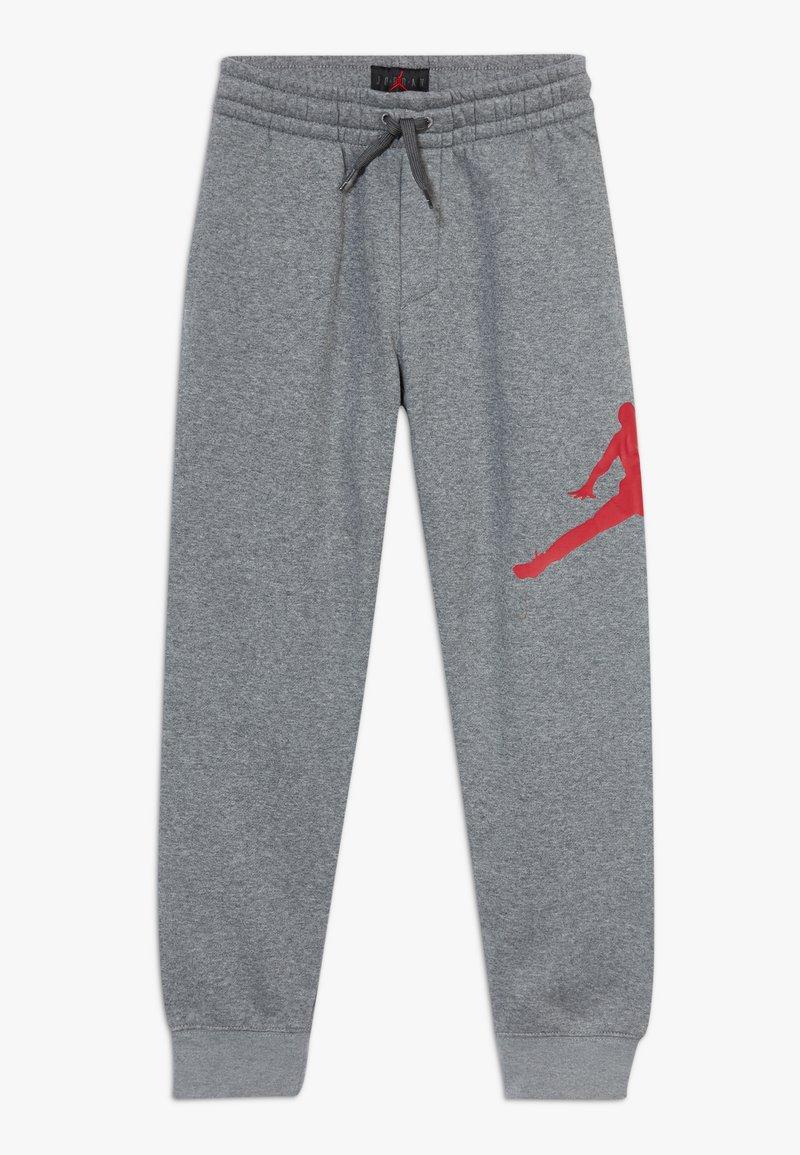 Jordan - JUMPMAN LOGO PANT - Pantalones deportivos - carbon heather