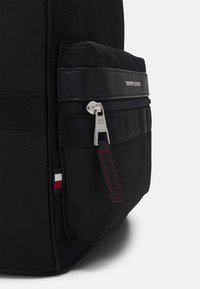 Tommy Hilfiger - ELEVATED BACKPACK - Batoh - black - 3