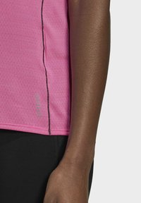 adidas Performance - RUNNER - T-shirt print - pink - 4