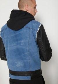 Be Edgy - BEMAX D - Denim jacket - black/indigo - 6