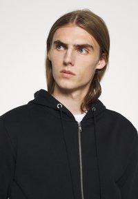Bruuns Bazaar - PAUL AARON HOODIE - Mikina na zip - black - 3