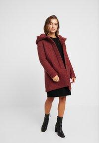 ONLY Petite - ONLSEDONA COAT - Short coat - merlot/melange - 1