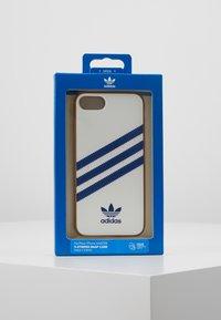 adidas Originals - MOULDED CASE FOR IPHONE - Telefoonhoesje - white/collegiate navy - 5
