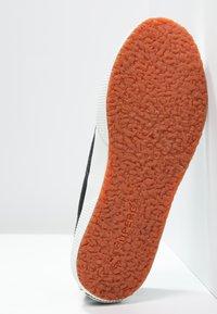 Superga - 2750 COTU CLASSIC UNISEX - Sneakersy niskie - black/White - 4