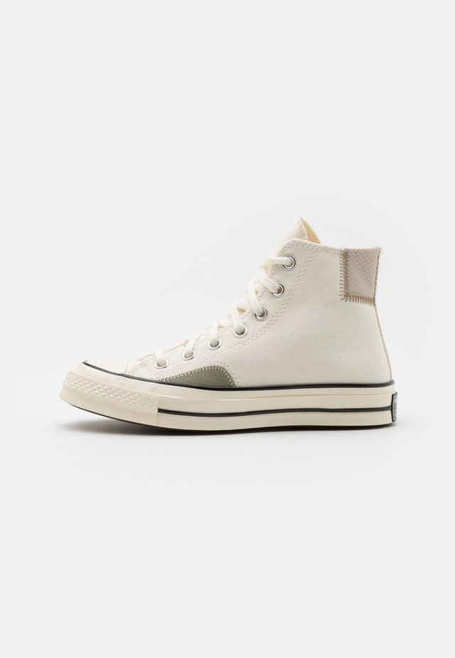 CHUCK 70 UNISEX - High-top trainers - egret/light field surplus/string