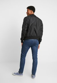 Alpha Industries - HOOD CUSTOM - Bomber Jacket - black - 3