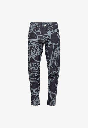 SCUTAR 3D SLIM TAPERED - Jeans slim fit - raw denim charcoal line art splatter