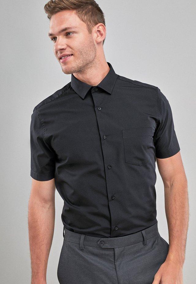 NAVY REGULAR FIT SHORT SLEEVE EASY CARE SHIRT - Koszula biznesowa - black