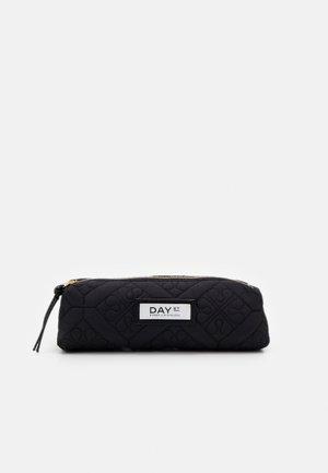 GWENETH FLOTILE PENCIL - Pencil case - black