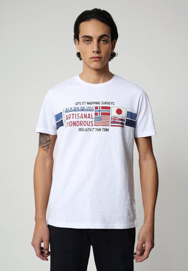 Napapijri - SILEA - Print T-shirt - bright white