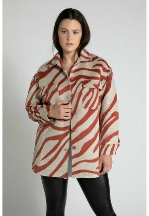 OVERSIZED - Short coat - pfirsich caramel