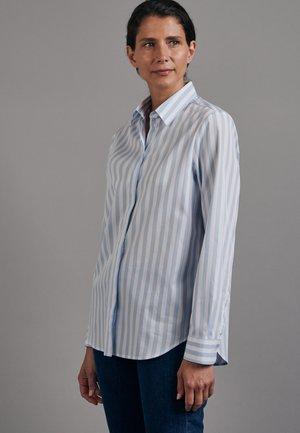 LANGARM - Button-down blouse - blau