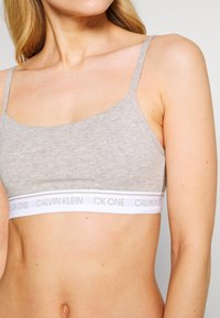 Calvin Klein Underwear - ONE PRIDE CAPSULE UNLINED BRALETTE - Bustier - grey heather - 5