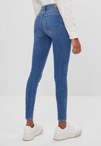Bershka - MIT HOHEM BUND  - Jeans Skinny Fit - blue - 2