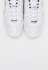 Cruyff - NITE CRAWLER - Trainers - white - 4