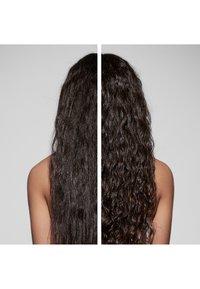 Kérastase - CURL MANIFESTO HUILE SUBLIME REPAIR - Trattamenti capelli - - - 4
