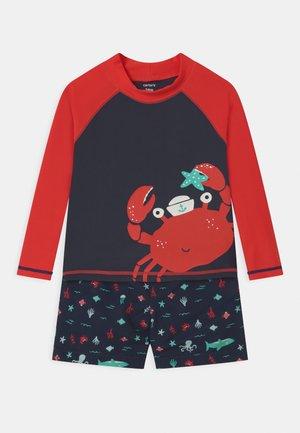CRAB SET - Swimsuit - dark blue/red