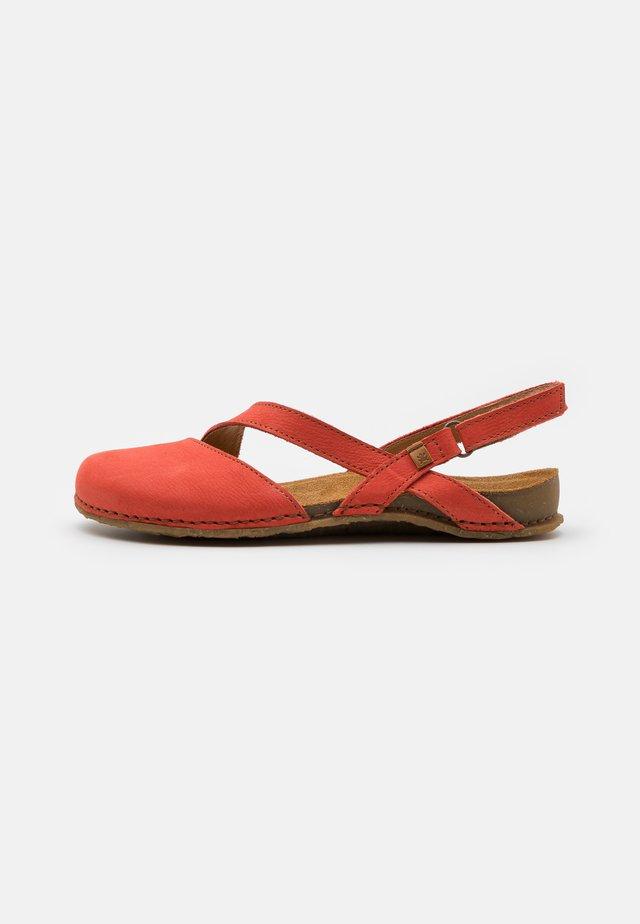PANGLAO - Ballerinat - coral