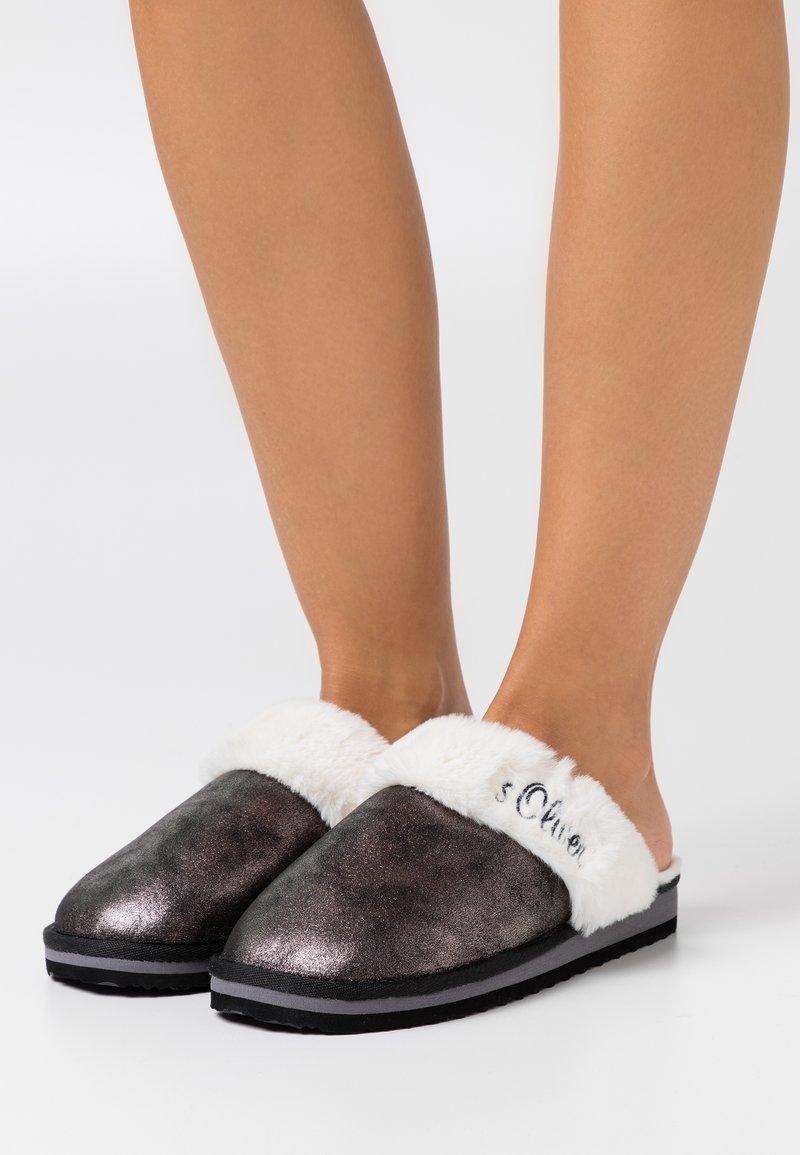 s.Oliver - Slippers - black metallic