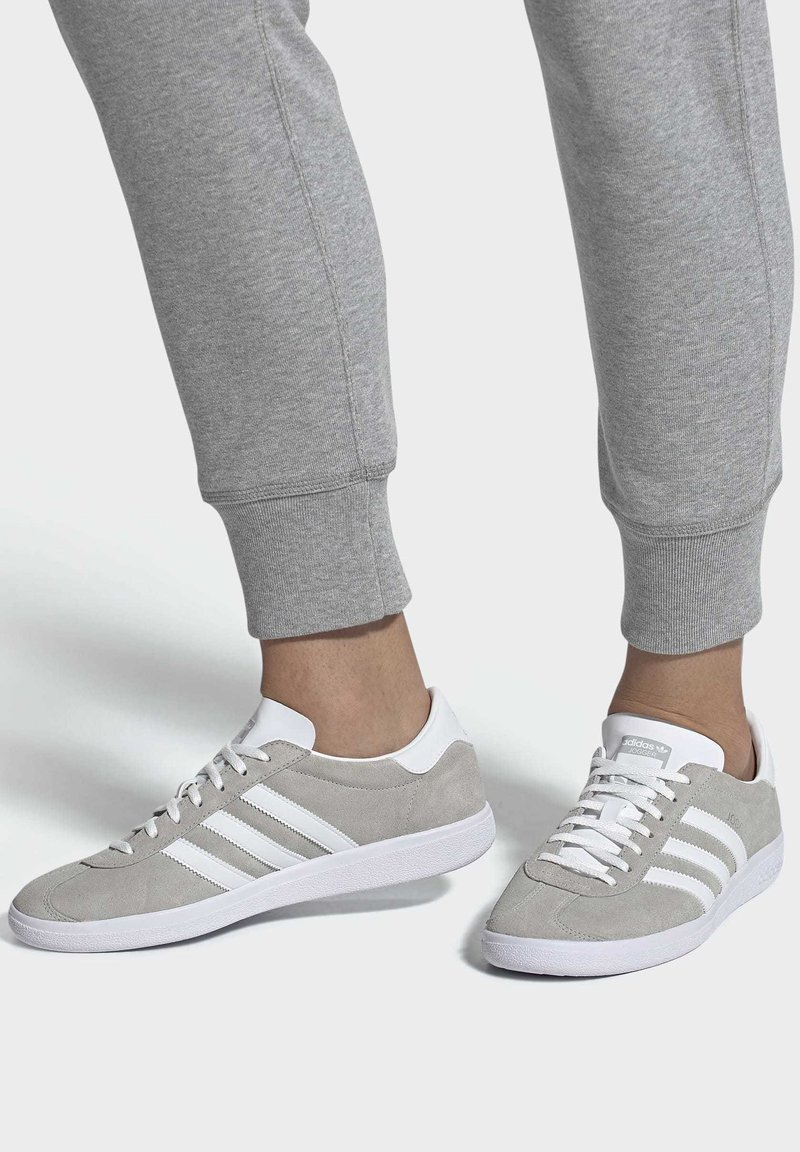 adidas Originals - JOGGER SHOES - Trainers - grey