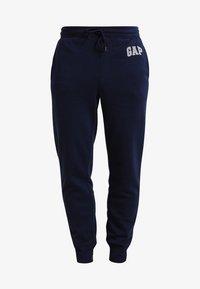 GAP - MODERN LOGO - Teplákové kalhoty - tapestry navy - 5