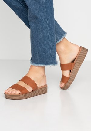 ROSALIE FLATFORM MULE - Pantofle - tan