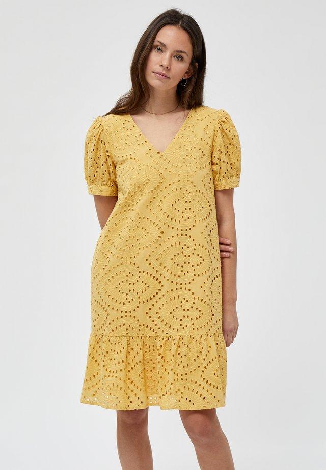 VILMA  - Robe d'été - cornbutter