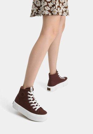 High-top trainers - dark brown