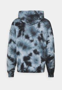 Nike Performance - HOODIE HERITAGE  - Sweatshirt - white - 1