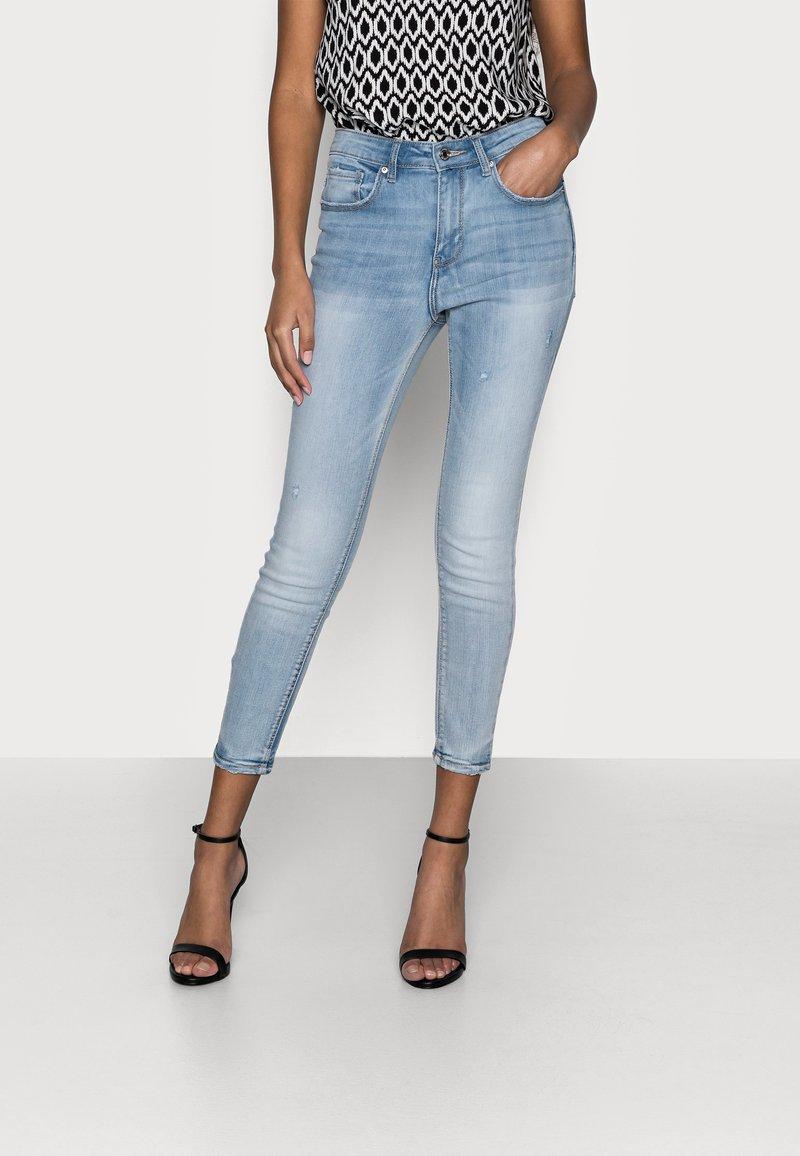 Vero Moda Petite - VMSOPHIA - Skinny džíny - light blue denim