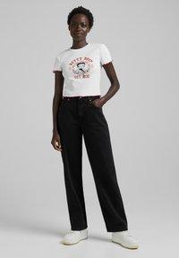 Bershka - BETTY BOOP - T-shirt con stampa - white - 1