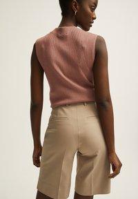 STOCKH LM - Shorts - beige - 2