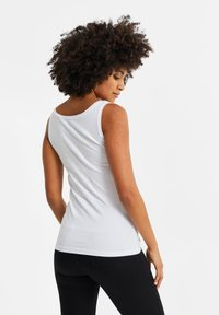 WE Fashion - WE FASHION DAMEN-TOP AUS BIO-BAUMWOLLE - Top - white - 2