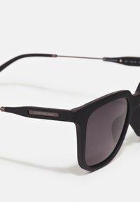 Calvin Klein Jeans - UNISEX - Aurinkolasit - matte black - 3
