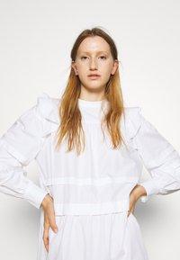 Bruuns Bazaar - ROSIE GENEVA DRESS - Robe d'été - white - 3
