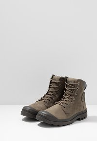 Palladium - PAMPA SPORT CUFF WATERPROOF LUX - Lace-up ankle boots - green - 2