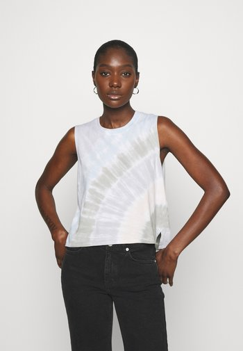 KNOTTED WELLNESS TANK