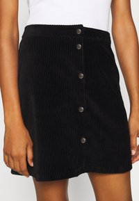 ONLY Tall - ONLFENJA LIFE BUTTON SKIRT - A-line skirt - black - 4
