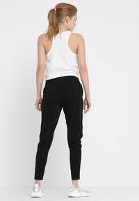 Cotton On Body - STUDIO PANT - Teplákové kalhoty - black - 2
