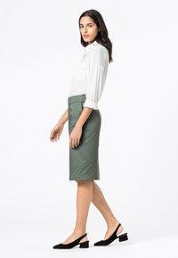 HALLHUBER - BASIC LETIZIA - Pencil skirt - seegrün - 1