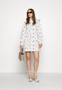Never Fully Dressed - ALPHA FRILL DRESS - Kjole - ivory