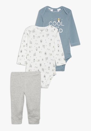 WASHCLOTH BOY BABY SET - Trousers - grey/blue