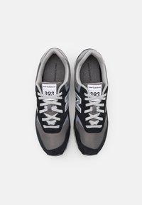 New Balance - ML393 - Trainers - black - 3