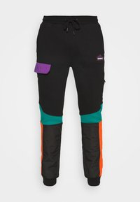 STAPLE PIGEON - OUTDOOR TECH PANT - Cargo trousers - black - 5
