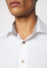 Eton - CONTEMPORARYWHITE ETON POPLIN SHIRT - Formal shirt - white poplin - 3