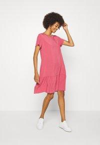 Marc O'Polo DENIM - DRESS FRILL SKIRT - Day dress - blackberry sorbet - 1