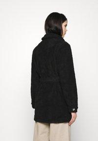 JDY - JDYSTELLA BELT JACKET - Klasický kabát - black - 2